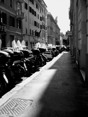 modern-roman-stree